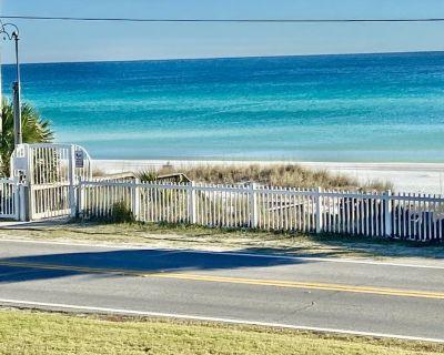 Couples Retreat with Beach Service - Miramar Beach