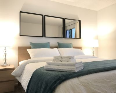 Comfortable King bed 2b1.25b APT in RH - City of Industry