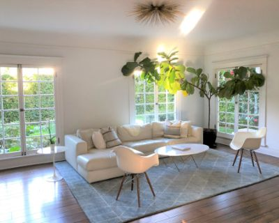 Sun Filled Traditional Home with Multiple Interior Backdrops, Los Angeles, CA