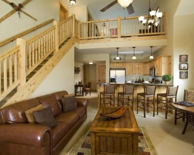 Cozy Suite with Gas Fireplace | Sauna + Hot Tub Access - Park City