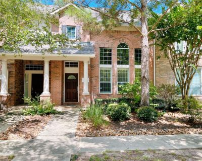 19 W Pipers Green Street, The Woodlands, TX 77382