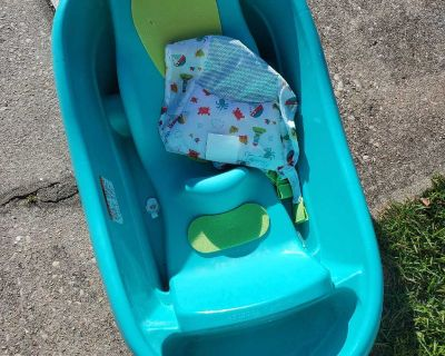 Vguc baby bathtub with infant sling
