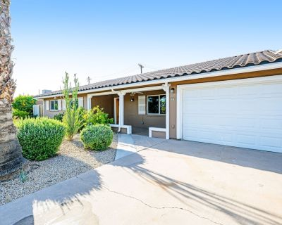 Wonderful Dog-Friendly Getaway Perfect for Large Groups w/ Free WiFi & Gas Grill - Camelback East