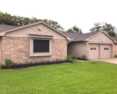 2784 Glen Haven Drive, League City, TX 77573