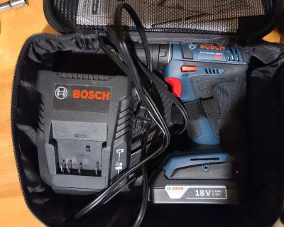 BOSCH 18V Drill with battery and charger