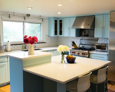 Mid Century Modern House: Beautiful, Spacious & Close To Stadium - Bryant Pattengill East