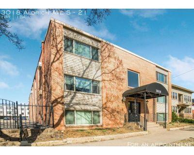 Townhouse Rental - 3018 Aldrich Ave S
