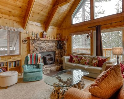 Private Home w/ Large Deck, Lofted Layout, Foosball Table & Wood-burning Stove! - Serene Lakes