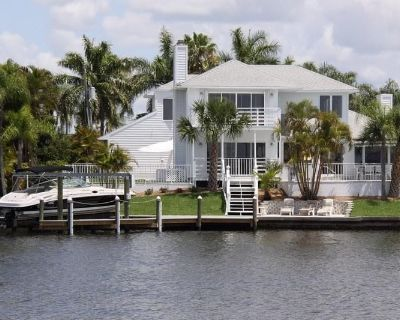 Luxury Pool Villa Located Directly On The River In A Fantastic Location - Yacht Club