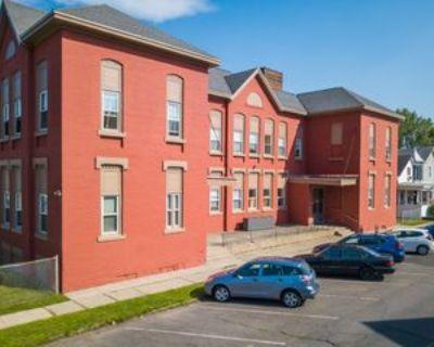 366 4th St #6, Troy, NY 12180 1 Bedroom Condo