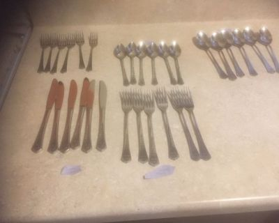 30 Pc Set Oxford Hall QUEEN'S TAPESTRY Stainless Steel Flatware Floral Roses