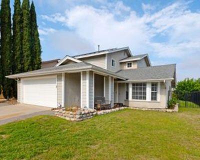 1101 Senwood Way #1, Fallbrook, CA 92028 4 Bedroom Apartment