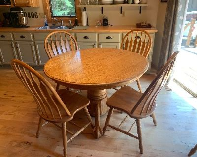 Outdoorsman Special! Cabin style home with hunting gear, fishing items, tools, furniture, Decor