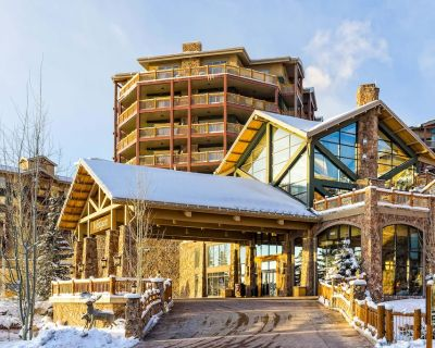 Fourth-Floor Ski-In/Out Condo w/Free WiFi, Balcony, Shared Hot Tub, Pools, Gym - Park City
