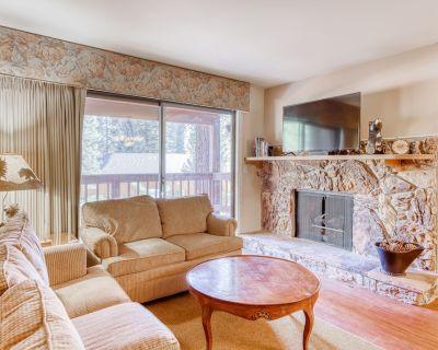 Perfect Tahoe Condo Near Town & the Lake w/ Private Patio, Free Wifi, & More! - Incline Village