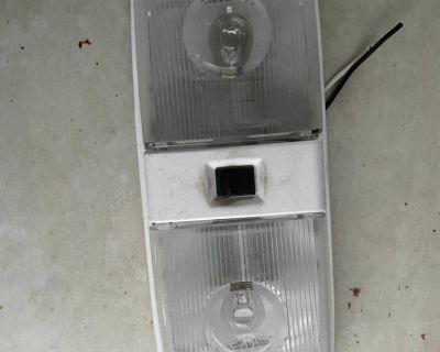 R/v lights
