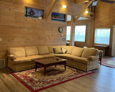 KNOTTY & NICE - CENTRAL LAKE - PET FRIENDLY - Central Lake
