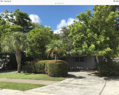 Updated,Sunny Cottage-near famous beaches/walking distance to Downtown - Ringling Park