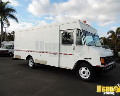 2004 Workhorse 17' Empty Step Van Truck / Mobile Biz Truck for Conversion