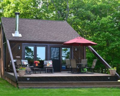 Upscale Cozy Cabin on Big Island, Lake Minnetonka, ***Accessible by boat only*** - Orono