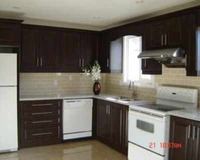 207 Apache Trail, Toronto, ON M2H 2J3 3 Bedroom Apartment