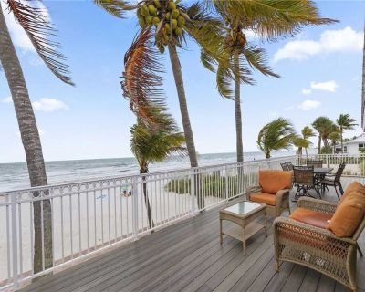 King Beach House, 3 bedrooms, Beach Front, Amazing Views, Pet Friendly - Mid Island