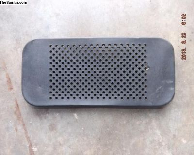Early Porsche 911 Dash Center Speaker Grill