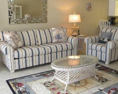 Sandpebble #1d-cute Ground Level Condo, Sleeps 6, Across From the Beach. New Gorgeous Kitchen Pool and Tennis - Sanibel