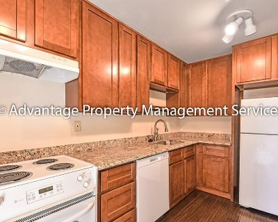 Unique 2 Bed / 2 Bath Apartment with Office and a Patio in Adams Point