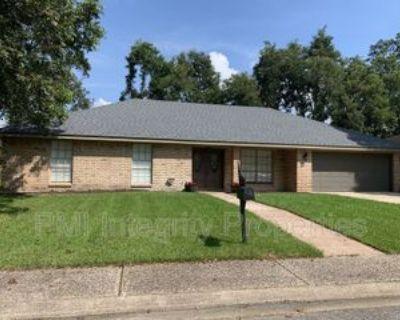 305 Raintree Trl, Lafayette, LA 70507 4 Bedroom House