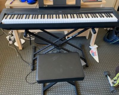 Yamaha P45 Electric Piano + pedal + stand + bench