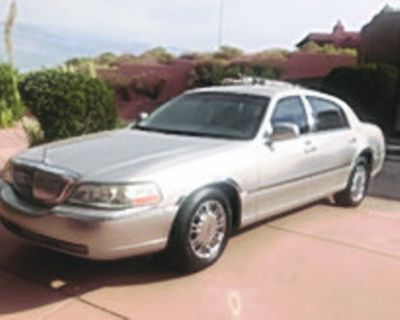 LINCOLN 2008 Town Car, Signature limited, mint condition, 73k miles, $9,500