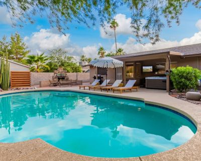 NEW LISTING PARADISE VALLEY MID-CENTURY HIDEAWAY - Paradise Valley Village