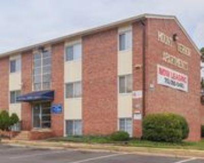8235 Russell Rd, Mount Vernon, VA 22309 3 Bedroom Condo