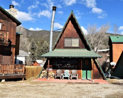 CJ A-Frame 2 - In Town - Ski In/Ski Out - On The River - Free WiFi - Cable - Woo - Red River