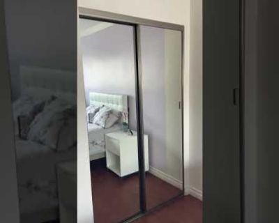 Private B&B Furnished for Female roommate in Weho