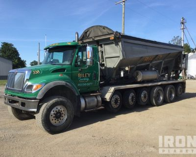 Can American Stone Spreader on 2005 International 7600 14x4 Six/A Truck