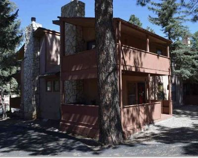 This Ruidoso condo is located in the picturesque Sierra Blanca mountains. - Ruidoso