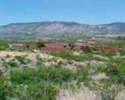 Cross Creek Road Ranch, New Mexico, USA