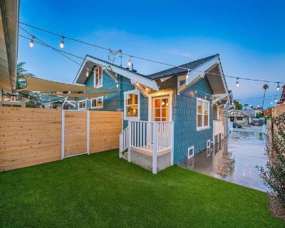Bright and airy Rampart Village craftsman w/ porch