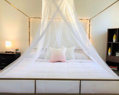 Nulu Charmer, KG Bed - Phoenix Hill