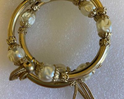 Gold and pearl wrap bracelet