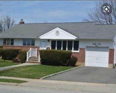 34 Ruby Ln, Plainview, NY 11803 3 Bedroom House