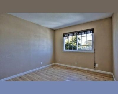 Room for rent in Miramonte Way, Union City - ROOM for Rent in a Beautiful Remodeled Townhouse $900