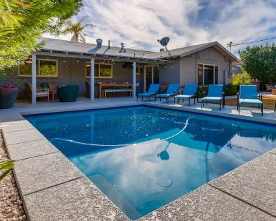 COZY IN SCOTTSDALE with NEW POOL PLUS PET FRIENDLY - South Scottsdale