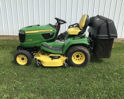 2016 JOHN DEERE X758 Tractors