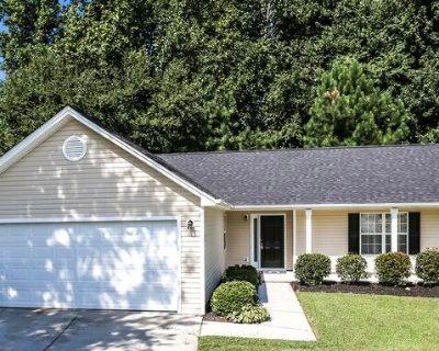 1015 Amelia Grove Ln , Lawrenceville, GA 30045
