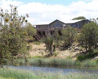 White Mountain Lake, Arizona Creek-Side Home. a Rare Find! - White Mountain Lakes Estates