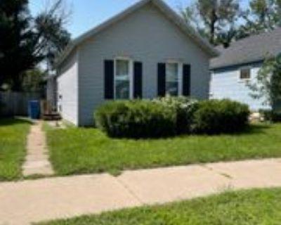713 E Howard St, Winona, MN 55987 2 Bedroom House