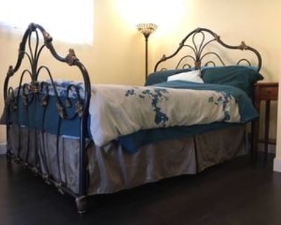 Bond St & Sussex Ave, Burnaby, BC V5H 3B5 Room